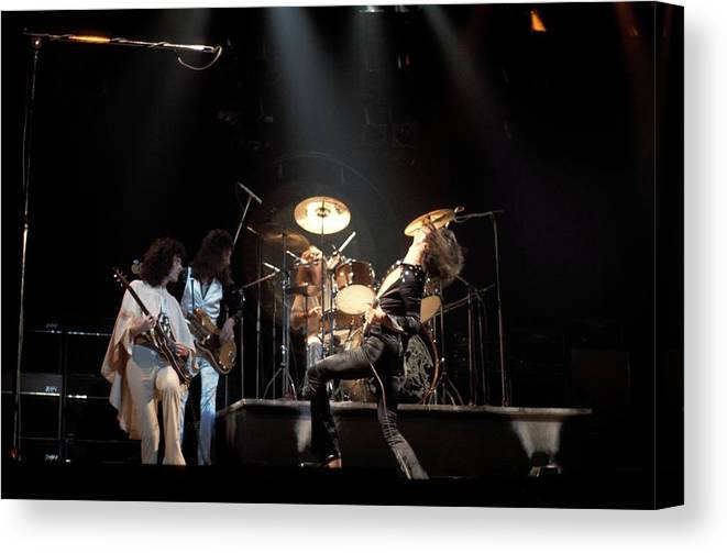 Music Canvas Print featuring the photograph Photo Of Queen by Andrew Putler