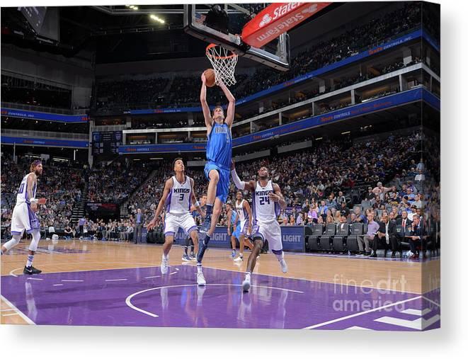 Nba Pro Basketball Canvas Print featuring the photograph Dallas Mavericks V Sacramento Kings by Rocky Widner