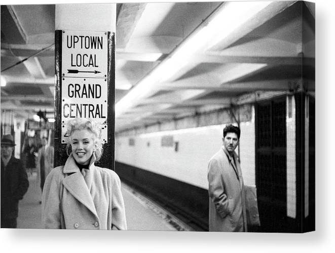 1950-1959 Canvas Print featuring the photograph Marilyn In Grand Central Station by Michael Ochs Archives