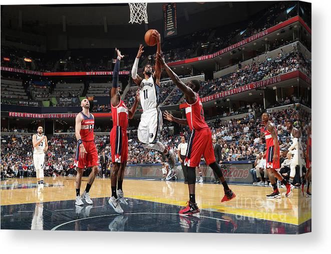 Nba Pro Basketball Canvas Print featuring the photograph Washington Wizards V Memphis Grizzlies by Joe Murphy