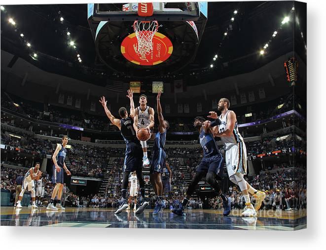 Nba Pro Basketball Canvas Print featuring the photograph Dallas Mavericks V Memphis Grizzlies by Joe Murphy