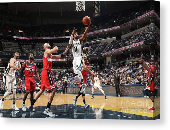 Nba Pro Basketball Canvas Print featuring the photograph Washington Wizards V Memphis Grizzlies by Joe Murphy