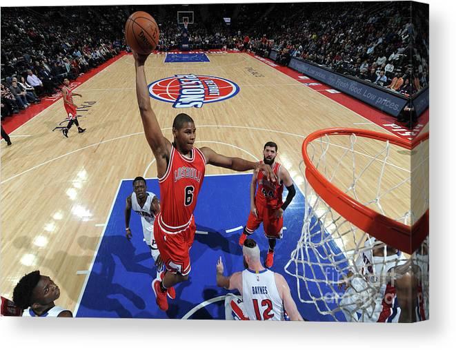 Nba Pro Basketball Canvas Print featuring the photograph Chicago Bulls V Detroit Pistons by Chris Schwegler