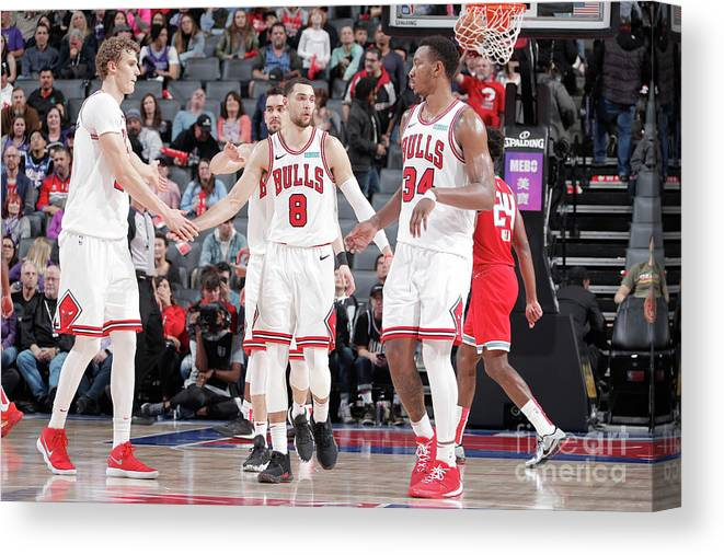 Chicago Bulls Canvas Print featuring the photograph Chicago Bulls V Sacramento Kings by Rocky Widner