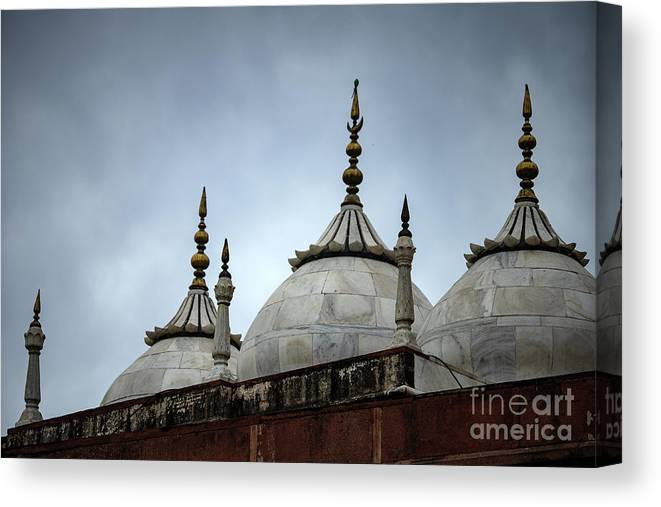Royalty Canvas Print featuring the photograph Beautiful Architecture Mughal Empire by Skaman306