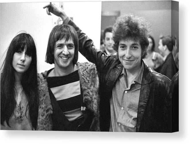 Three Quarter Length Canvas Print featuring the photograph Bob Dylan With Sonny & Cher by Michael Ochs Archives