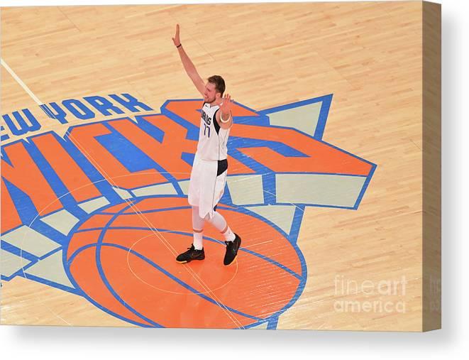 Nba Pro Basketball Canvas Print featuring the photograph Dallas Mavericks V New York Knicks by Jesse D. Garrabrant