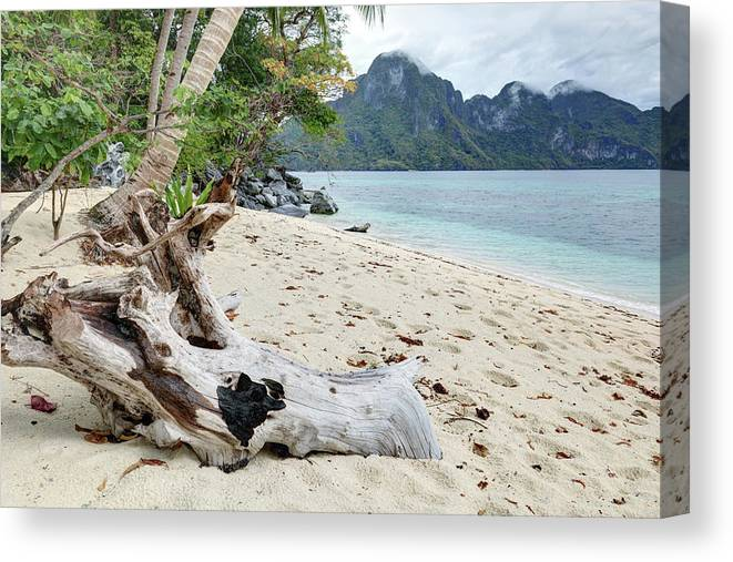 Water's Edge Canvas Print featuring the photograph Exotic Beach by Vuk8691