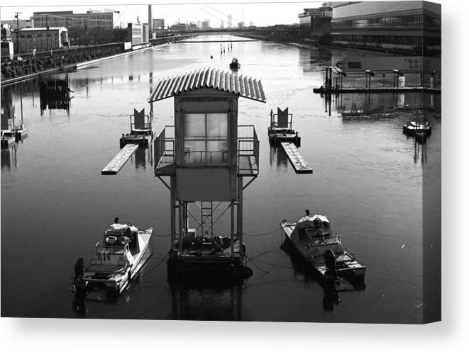 Standing Water Canvas Print featuring the photograph Frozen Boat Course by Huzu1959