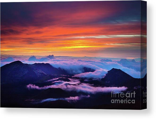 Scenics Canvas Print featuring the photograph Haleakala National Park Crater Sunrise by Yinyang