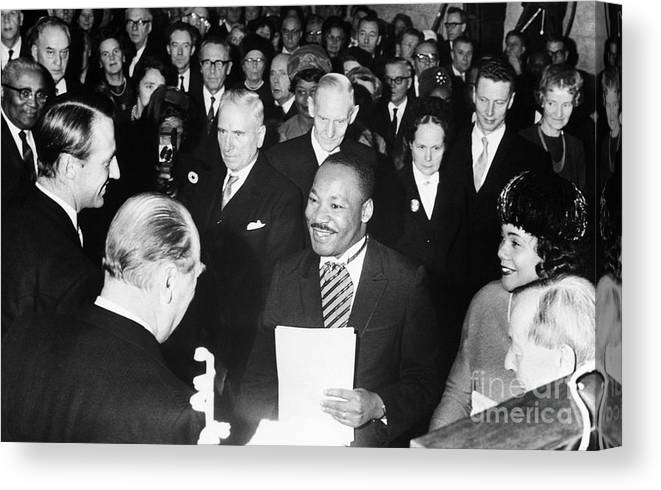 Mid Adult Women Canvas Print featuring the photograph Martin Luther King Receiving Nobel Prize by Bettmann