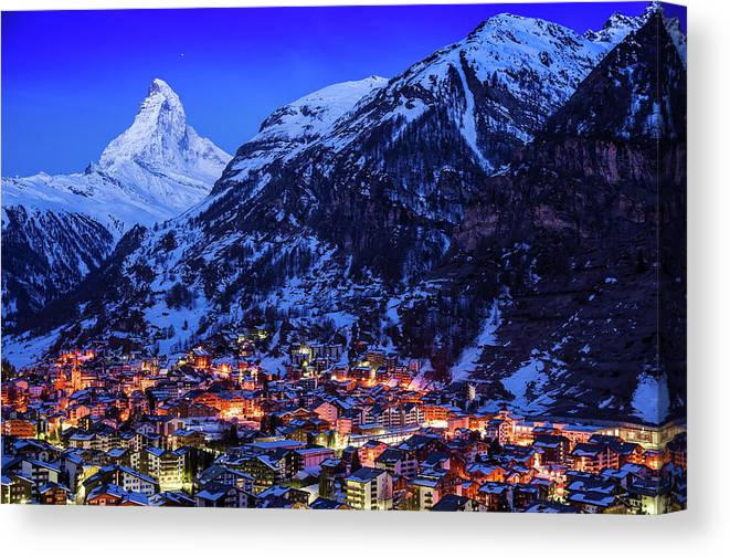 Clear Sky Canvas Print featuring the photograph Matterhorn At Night by Weerakarn Satitniramai