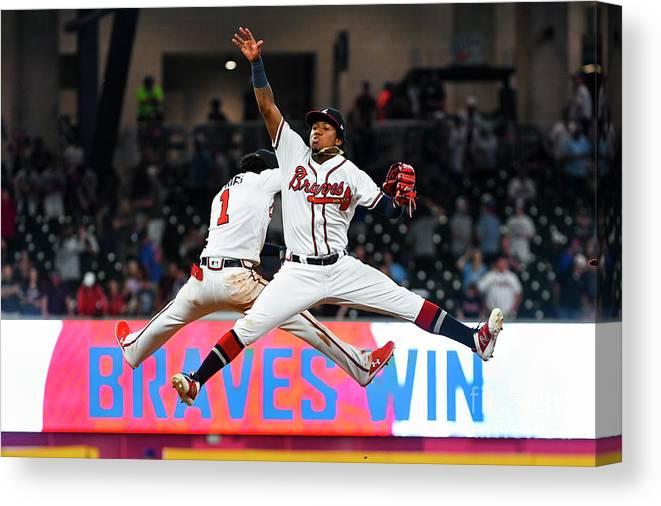 Atlanta Canvas Print featuring the photograph New York Mets V Atlanta Braves by John Amis