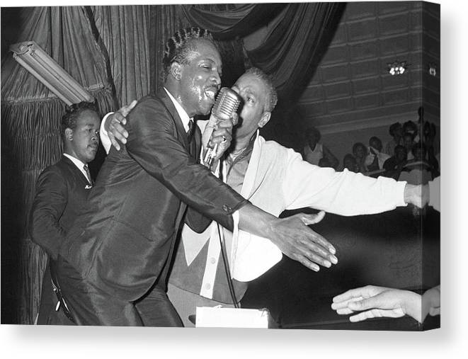 Wilson Pickett Canvas Print featuring the photograph Performing At The Harlem Armory by Michael Ochs Archives