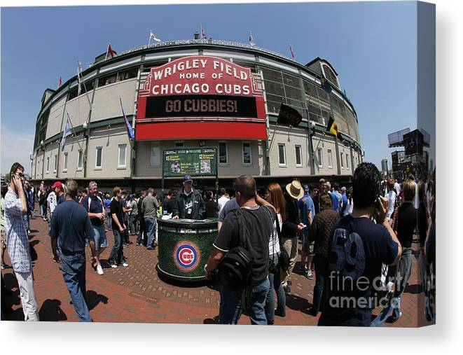 National League Baseball Canvas Print featuring the photograph Pittsburgh Pirates V Chicago Cubs by Joe Robbins