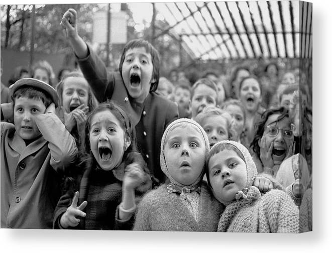 Timeincown Canvas Print featuring the photograph Puppet Audience by Alfred Eisenstaedt