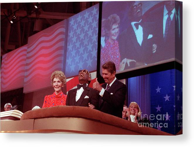 Thank You Canvas Print featuring the photograph Ronald And Nancy Reagan With Ray Charles by Bettmann