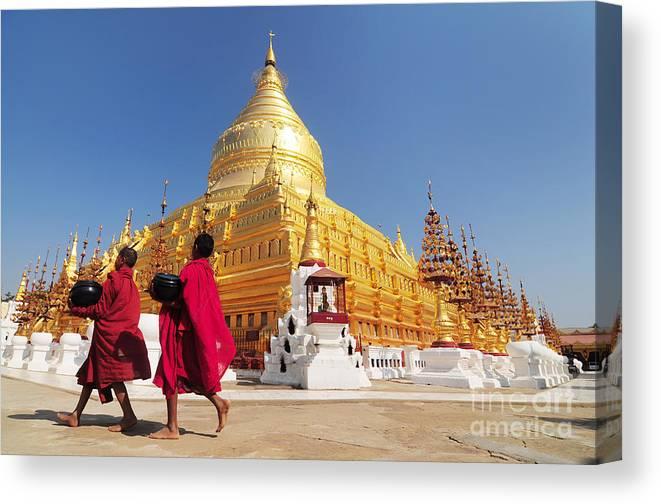 Pahto Canvas Print featuring the photograph Shwezigon Paya, Bagan, Myanmar by Sathitanont N