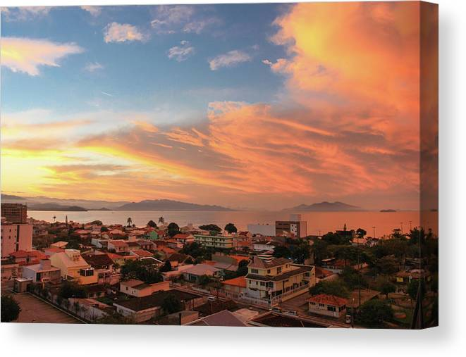 Tranquility Canvas Print featuring the photograph Sunset Over Florianopolis by Dircinhasw