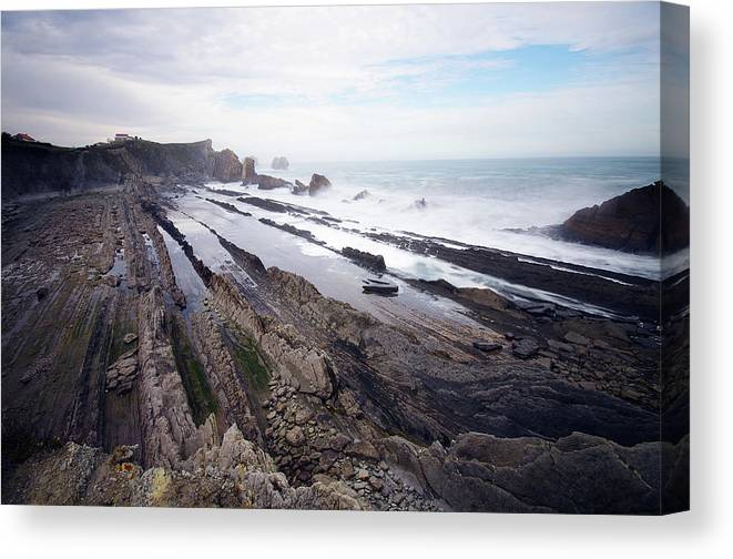 Scenics Canvas Print featuring the photograph Taste Of The Sea by David Díez Barrio