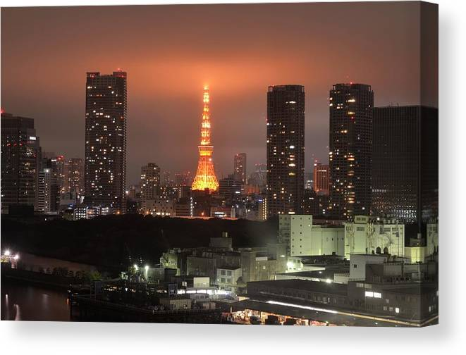 Tokyo Tower Canvas Print featuring the photograph Tokyo Tower With Cloud by Keiko Iwabuchi