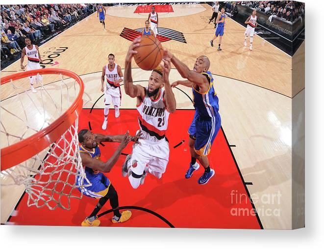 Nba Pro Basketball Canvas Print featuring the photograph Allen Crabbe by Sam Forencich