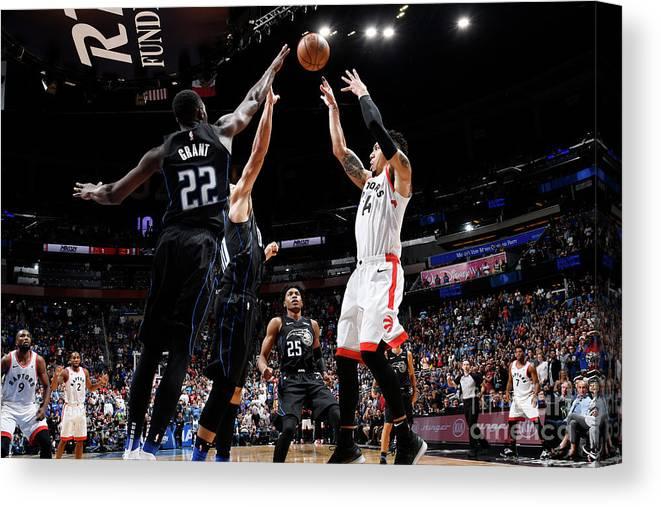 Nba Pro Basketball Canvas Print featuring the photograph Danny Green by Fernando Medina