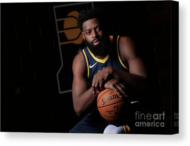 Media Day Canvas Print featuring the photograph Tyreke Evans by Ron Hoskins