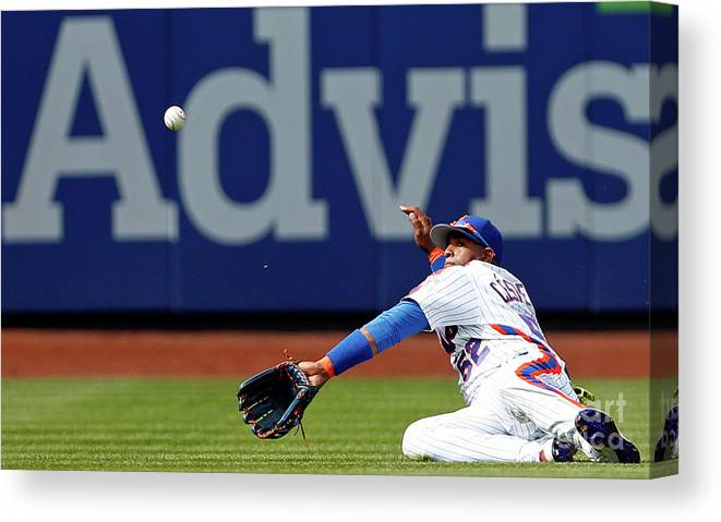 Yoenis Cespedes Canvas Print featuring the photograph Yoenis Cespedes by Adam Hunger