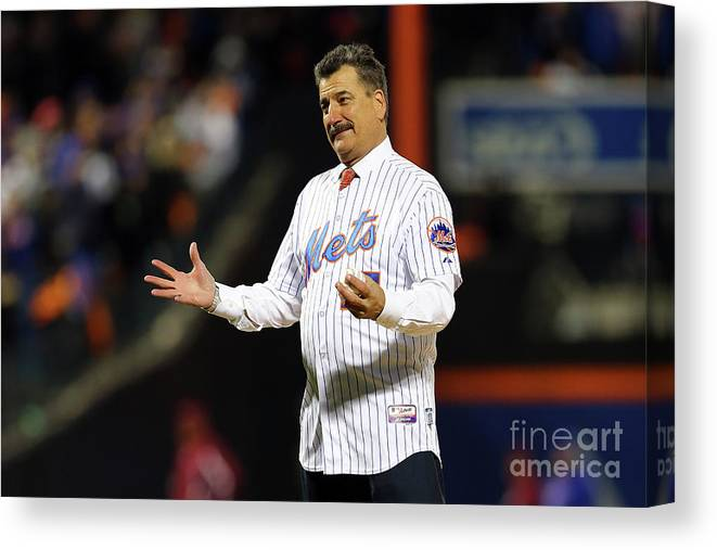 Three Quarter Length Canvas Print featuring the photograph Keith Hernandez by Elsa