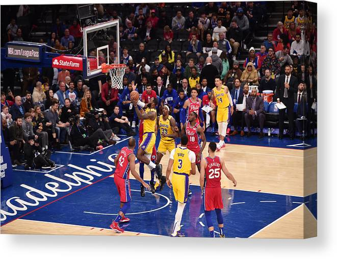 Nba Pro Basketball Canvas Print featuring the photograph Lebron James by David Dow