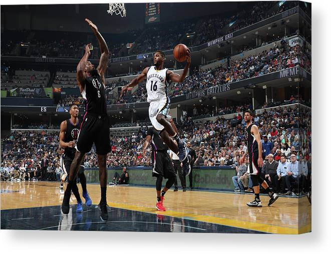 Nba Pro Basketball Canvas Print featuring the photograph Toney Douglas by Joe Murphy