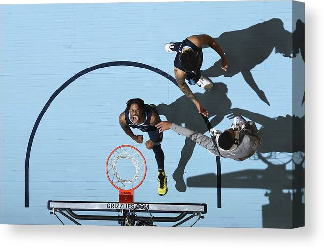 Nba Pro Basketball Canvas Print featuring the photograph Miami Heat v Memphis Grizzlies by Joe Murphy