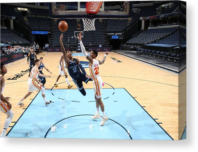 Nba Pro Basketball Canvas Print featuring the photograph Atlanta Hawks v Memphis Grizzlies by Joe Murphy