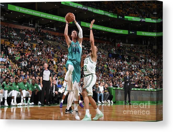 Nba Pro Basketball Canvas Print featuring the photograph Frank Kaminsky by Brian Babineau