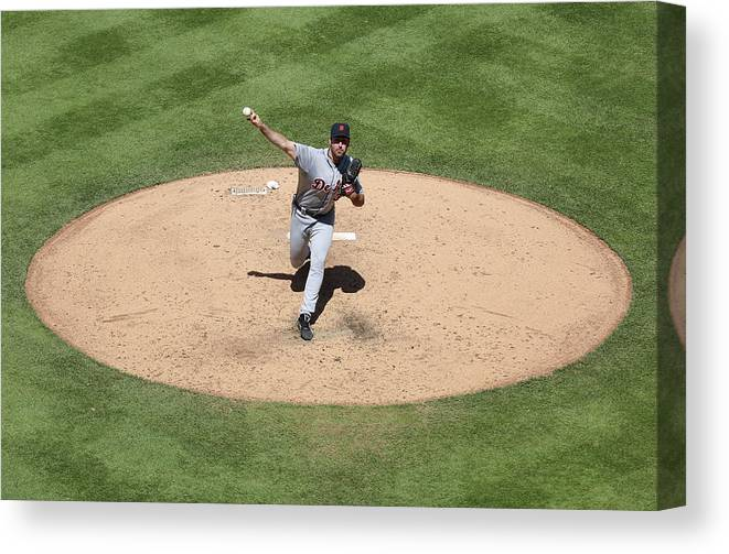 American League Baseball Canvas Print featuring the photograph Justin Verlander by Ed Zurga
