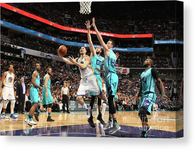 Nba Pro Basketball Canvas Print featuring the photograph Klay Thompson by Kent Smith