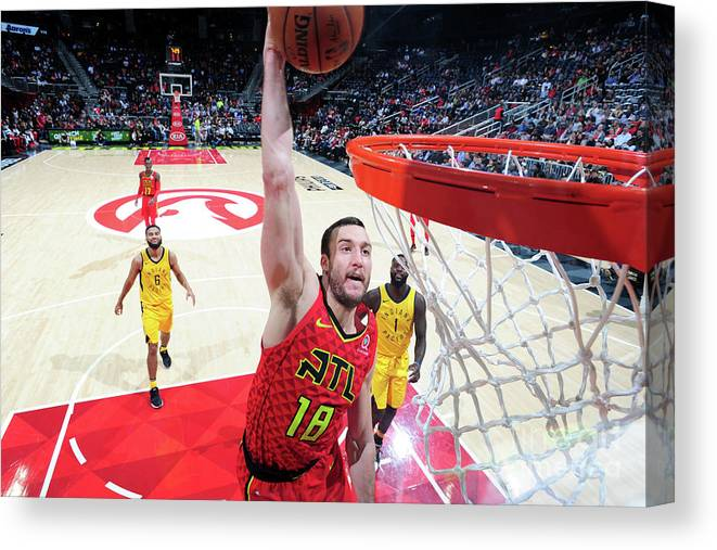 Atlanta Canvas Print featuring the photograph Miles Plumlee by Scott Cunningham