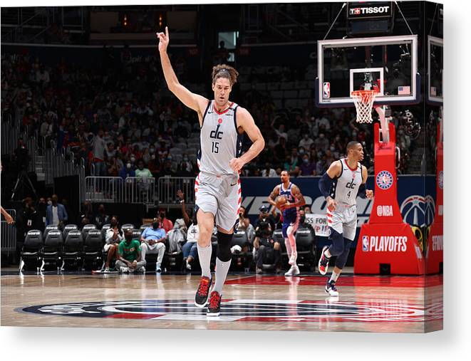 Playoffs Canvas Print featuring the photograph Robin Lopez by Stephen Gosling