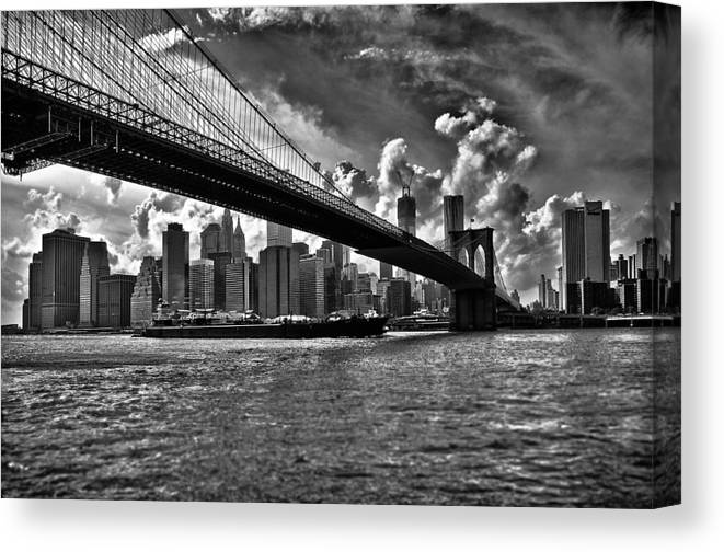 Scenics Canvas Print featuring the photograph Simply New York by Alessandro Giorgi Art Photography