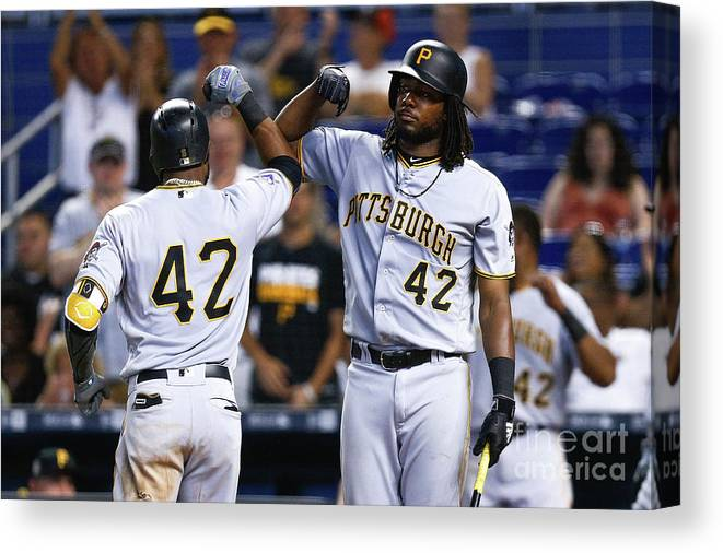 Three Quarter Length Canvas Print featuring the photograph Starling Marte by Michael Reaves