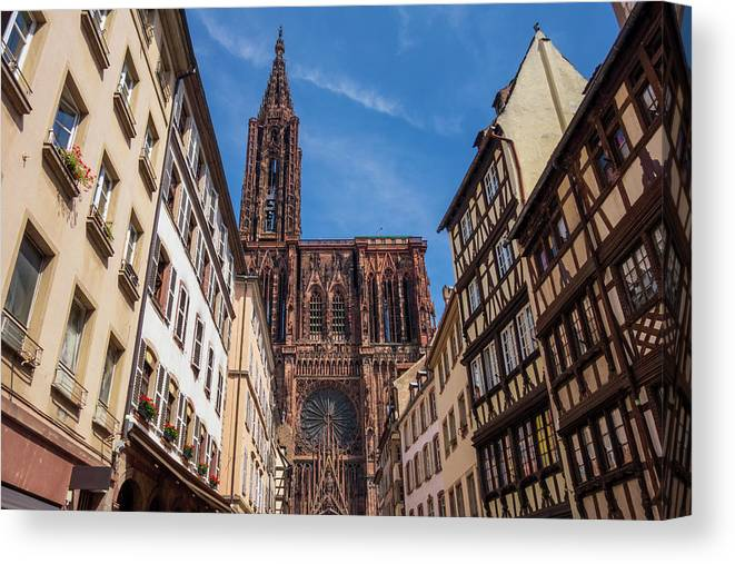 Estrasburgo Canvas Print featuring the photograph The Notre-dame Cathedral In Strasbourg by Vicen Photography