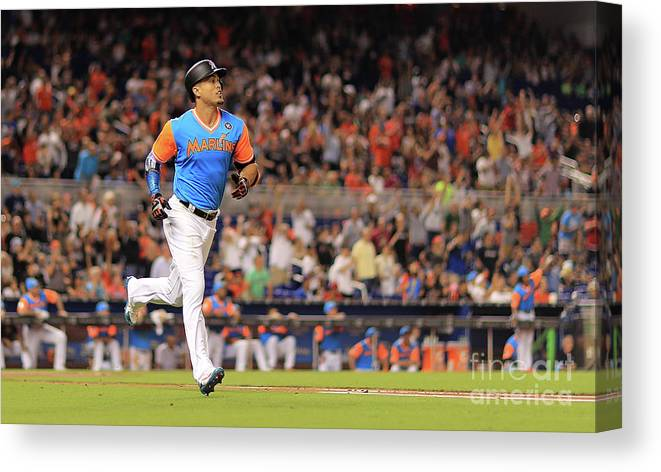 People Canvas Print featuring the photograph Giancarlo Stanton by Mike Ehrmann