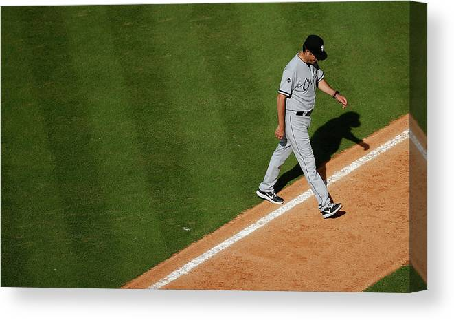 Robin Ventura Canvas Print featuring the photograph Robin Ventura by Scott Halleran