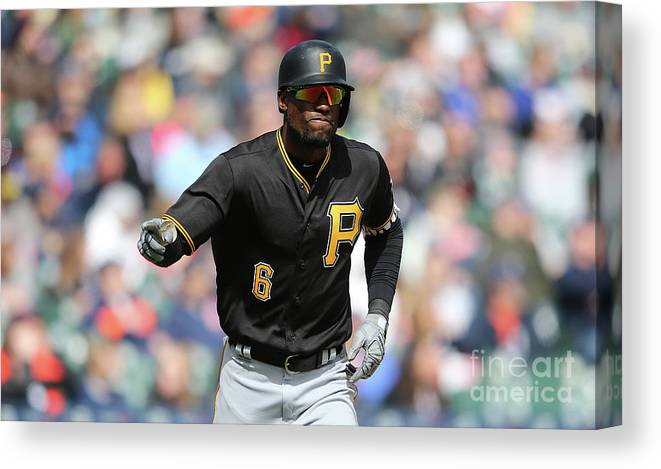 Three Quarter Length Canvas Print featuring the photograph Starling Marte by Leon Halip