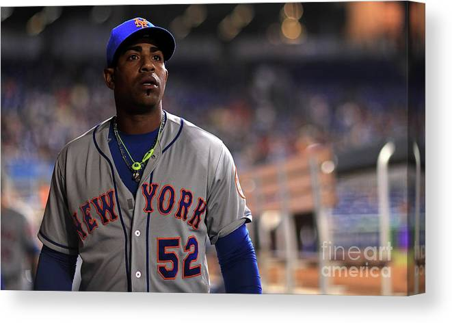 Yoenis Cespedes Canvas Print featuring the photograph Yoenis Cespedes by Mike Ehrmann
