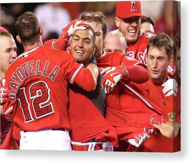 Ninth Inning Canvas Print featuring the photograph Seattle Mariners V Los Angeles Angels by Stephen Dunn