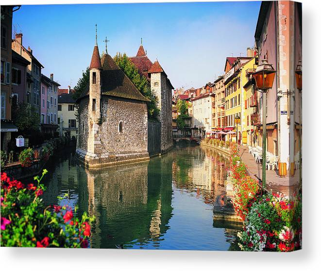 Town Canvas Print featuring the photograph Annecy, Savoie, France by Robertharding