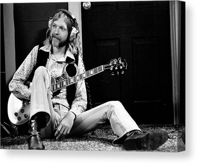 People Canvas Print featuring the photograph Duane Allman At Muscle Shoals by Michael Ochs Archives