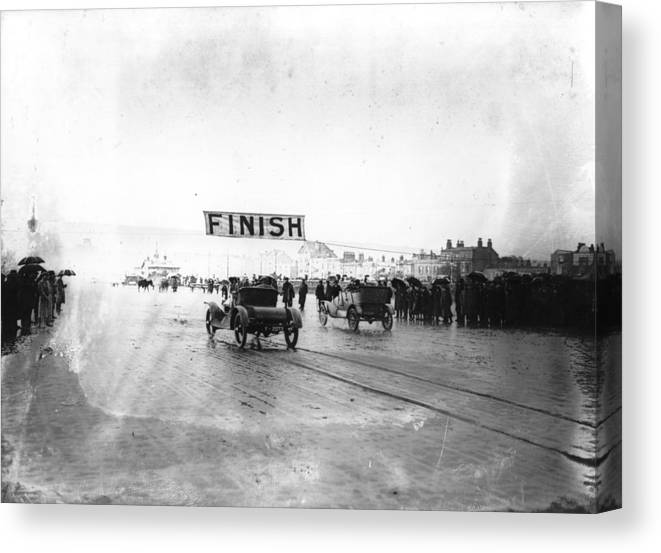 Crowd Canvas Print featuring the photograph Finish Of Race by Topical Press Agency